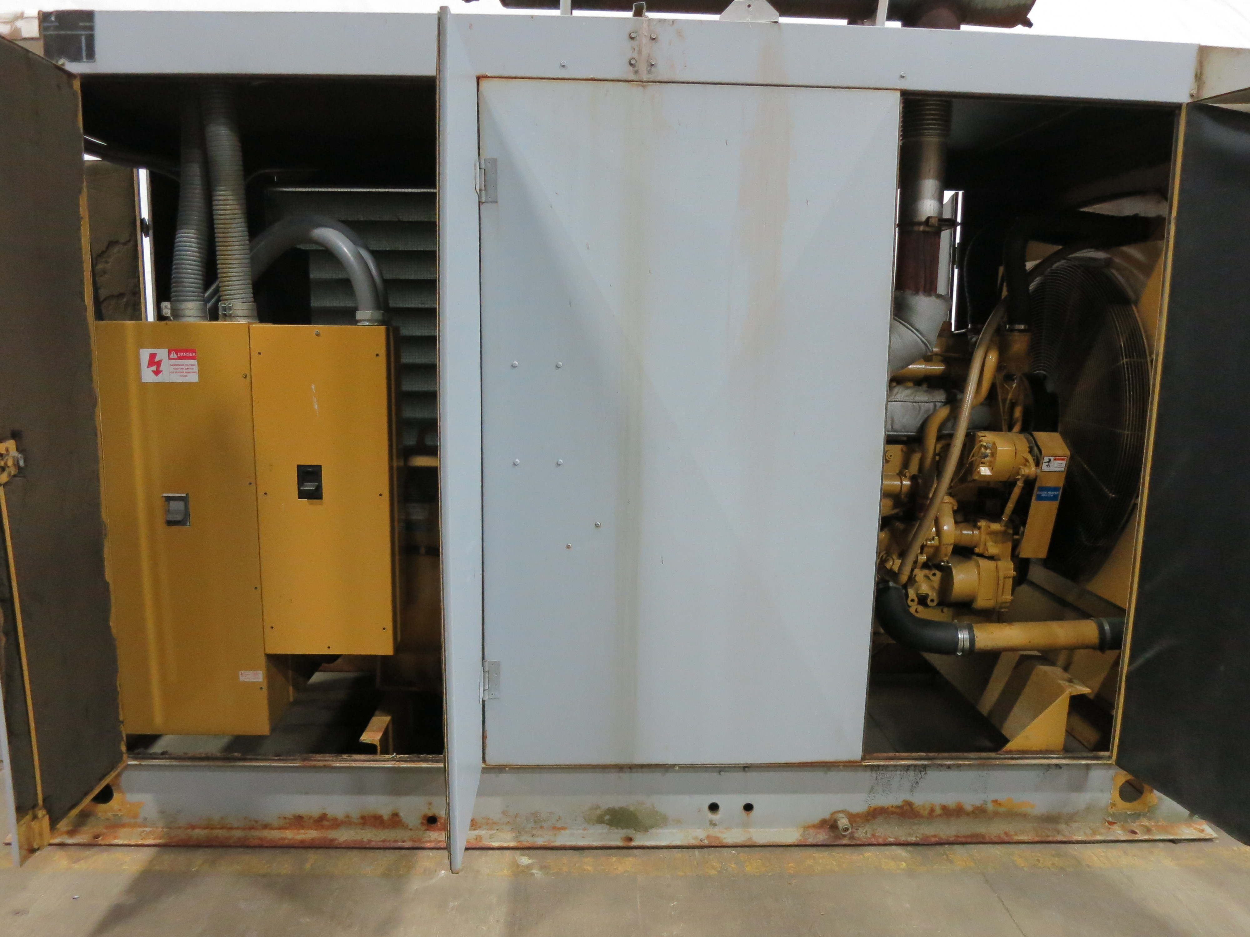 Used Katolight KTA19-G2 Diesel Generator   392 Hrs   400 KW   0 Price   CSDG