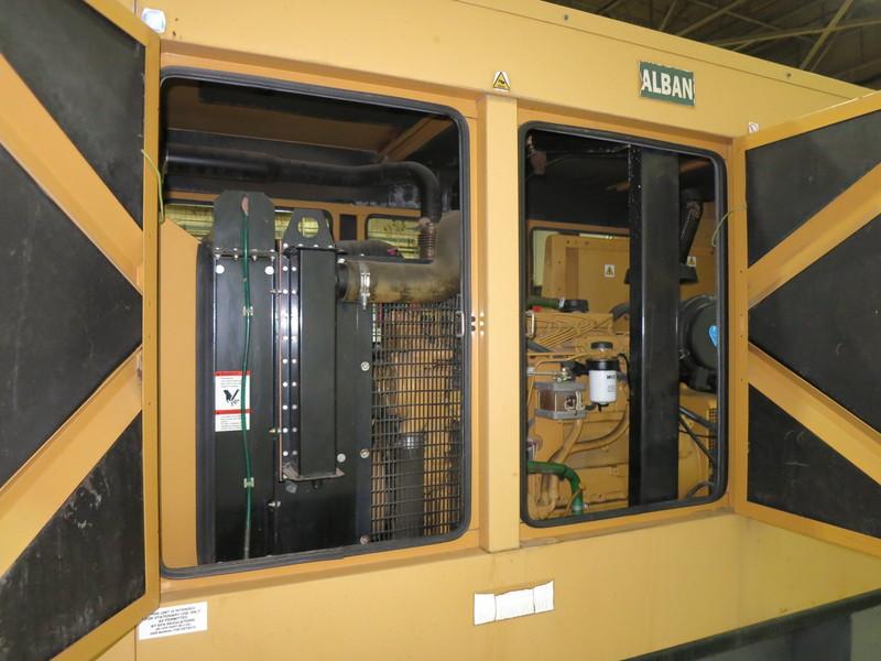 Used Caterpillar D150p1 Diesel Generator 183 Hrs 150