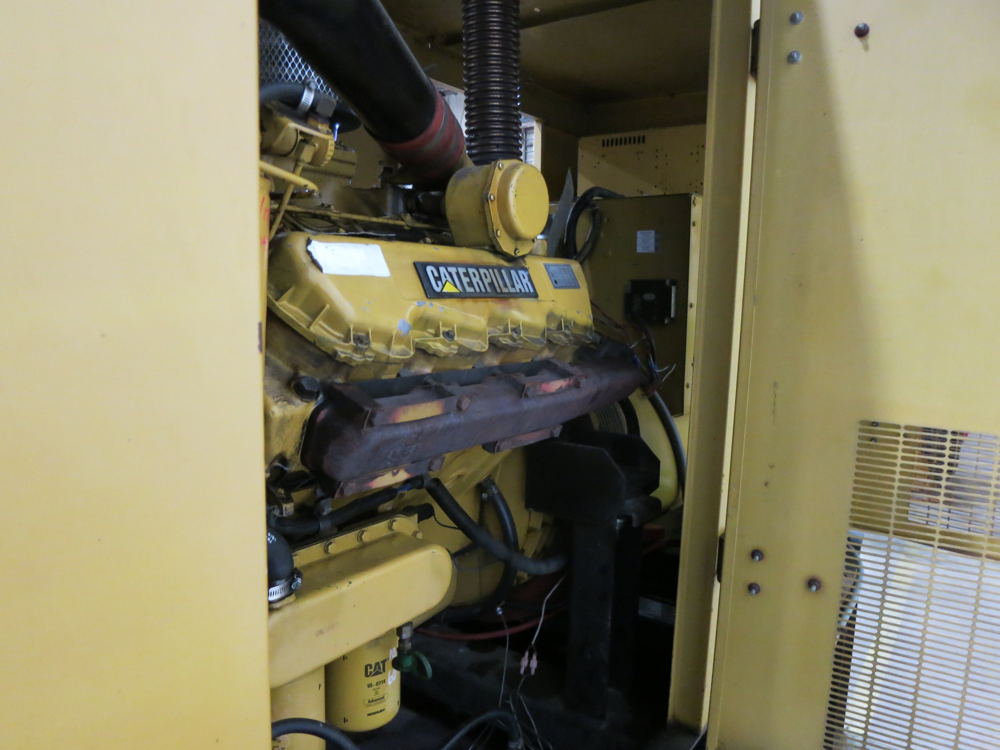 Used Caterpillar 3208 Diesel Generator 667 Hrs